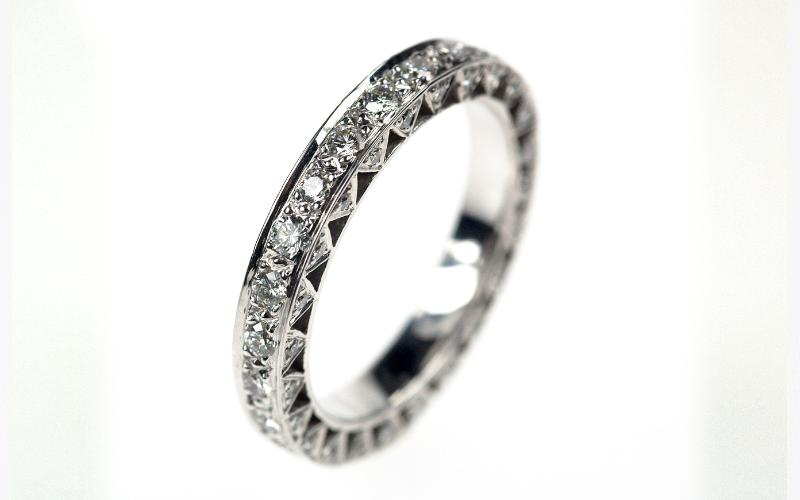 Exclusieve allianceringen, in platina met diamanten gemaakt door goudsmid.